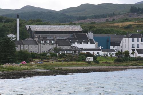 Jura hotel and distillery